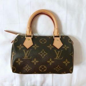 Louis Vuitton mini speedy monogram nano size